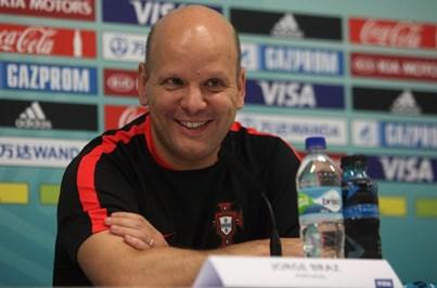 Portugal goleia e apura-se para o Europeu de futsal