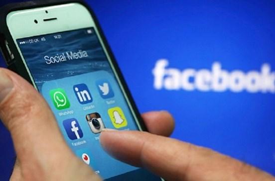 Lucro anual do Facebook triplicou para 10,2 mil milhões de dólares