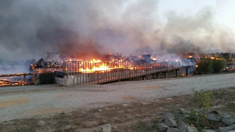 O resort zmar antes e depois do fogo fotogalerias for Piscina zmar
