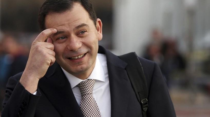 """Primeiro-ministro não pode """"dar à sola"""" no caso da Caixa"""