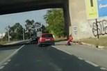 Condutor atropela ciclista e foge