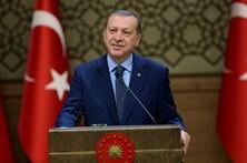 Presidente da Turquia admite referendar reintrodução da pena de morte