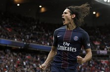 Cavani 'bisa' no triunfo do Paris Saint-Germain