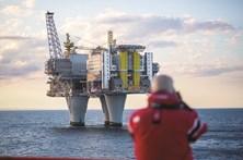 Lucros da Repsol aumentam 65% para 1.056 milhões de euros