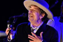 Bob Dylan aceita o Prémio Nobel