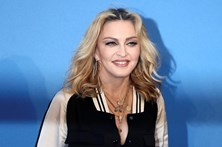 Madonna oferece sexo oral a quem votar em Hillary