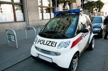"""Polícia condenado gritar """"Heil Hitler"""""""