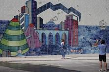 Mural com mais de 53 mil azulejos pintados à mão