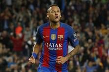Neymar renova pelo Barcelona até 2022