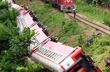 Desastre ferroviário faz 55 mortos e 600 feridos