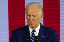 """Biden diz que gostava de levar Trump """"para trás do ginásio"""""""