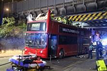 Acidente com autocarro fere 26 pessoas