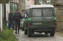 Porta arrombada dá alerta para fugitivo Pedro Dias