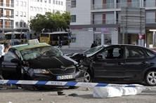 Acidentes matam três  na estrada