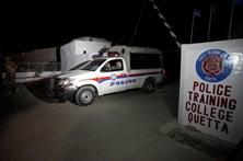 Ataque a escola de polícia causa pelo menos 20 mortos