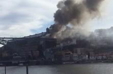 Incêndio e explosões junto à Ponte D. Luís