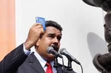 """Maduro denuncia """"perseguição"""" internacional contra a Venezuela"""