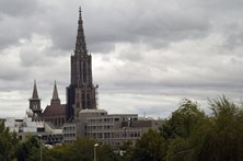 Urina corrói igreja mais alta do mundo