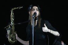 PJ Harvey: Rock bélico em nome da paz