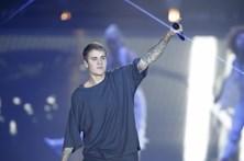 Justin Bieber acusado de circular em contramão