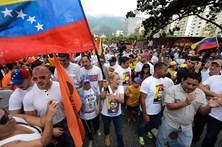 Milhares manifestam-se contra Nicolás Maduro