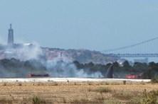 Erro humano mata três em acidente de avião
