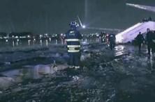 Avião que transportava Mike Pence derrapou na pista