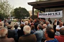 Utentes em protesto no Centro Hospitalar Barreiro/Montijo