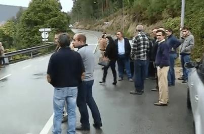 Estradas de acesso a Moldes cortadas