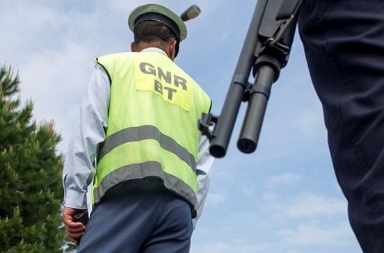 Mais de 100 pessoas detidas pela GNR no fim de semana