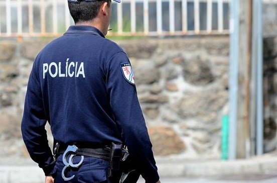Polícia cerca bairro em Coimbra