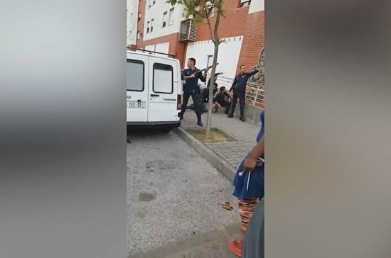 Dois agentes da PSP feridos durante detenção