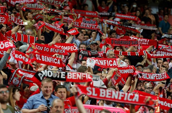 Adepto do Benfica morre no estádio
