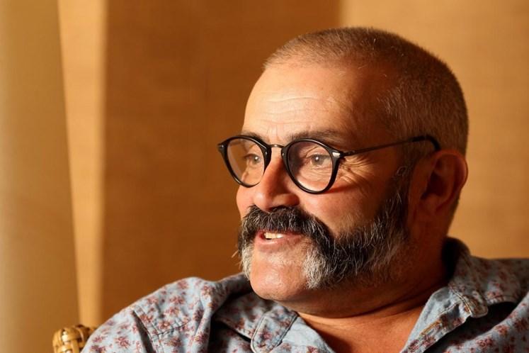 João Ricardo operado de urgência a tumor