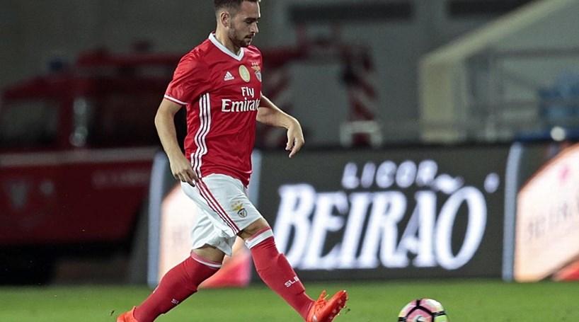 Zivkovic e Celis de volta aos convocados no Benfica
