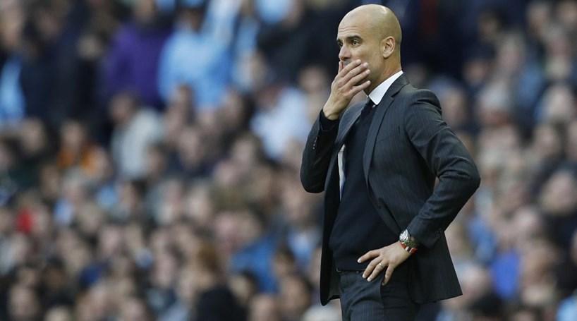 Manchester City 'tropeça' na receção ao Everton