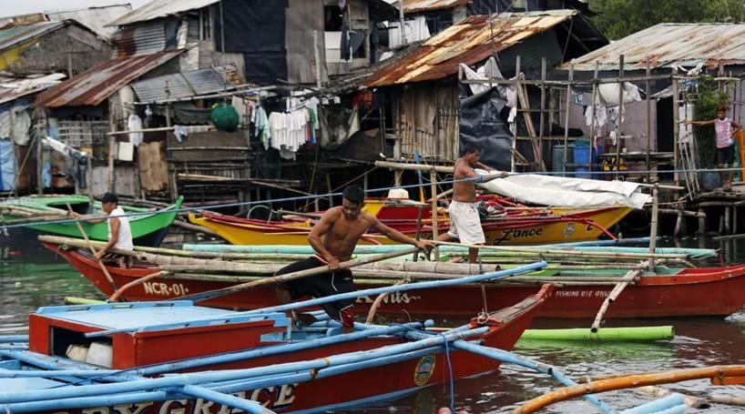 Milhares de pessoas deixam as suas casas à chegada do tufão Sarika