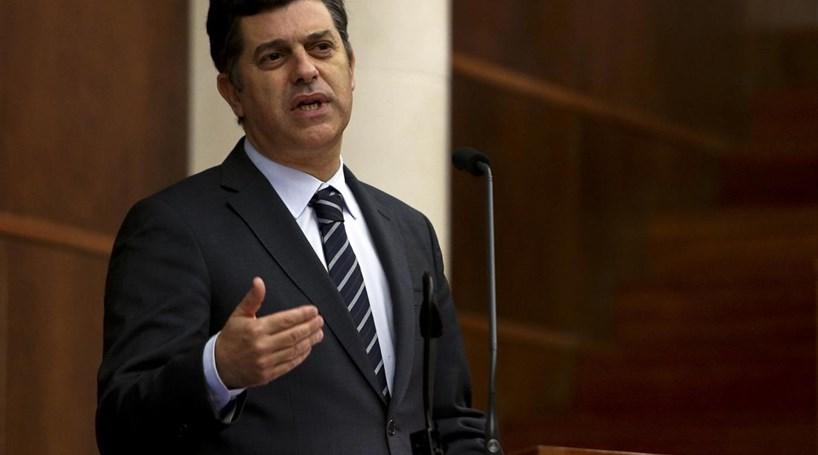 """Ministro justifica imposto sobre refrigerantes com """"razões de saúde"""""""