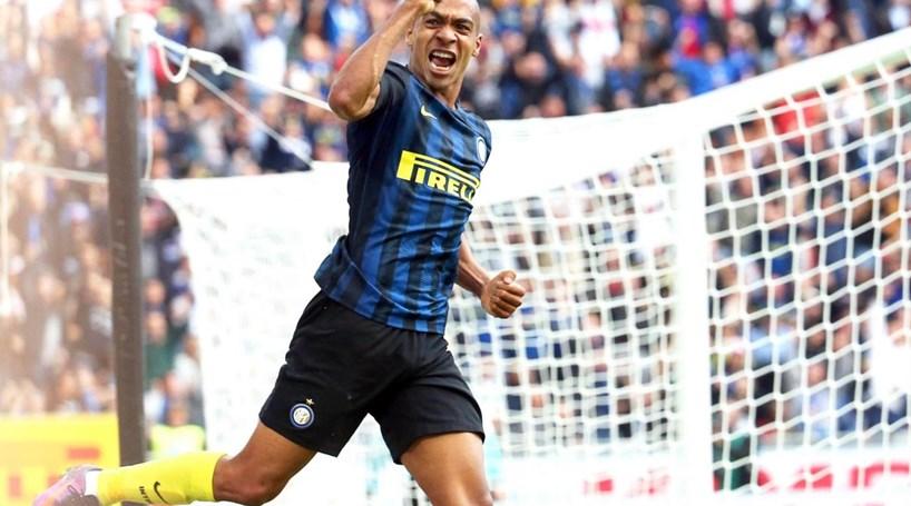 Golo de João Mário insuficiente para evitar derrota do Inter