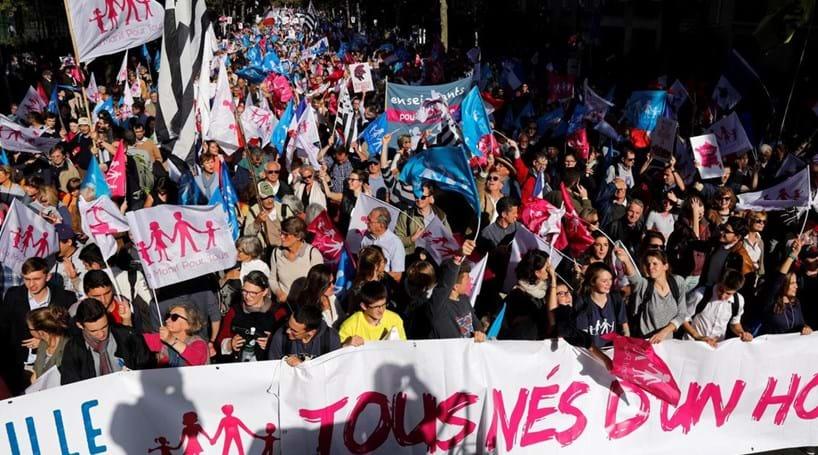 Milhares manifestaram-se em Paris contra casamento gay
