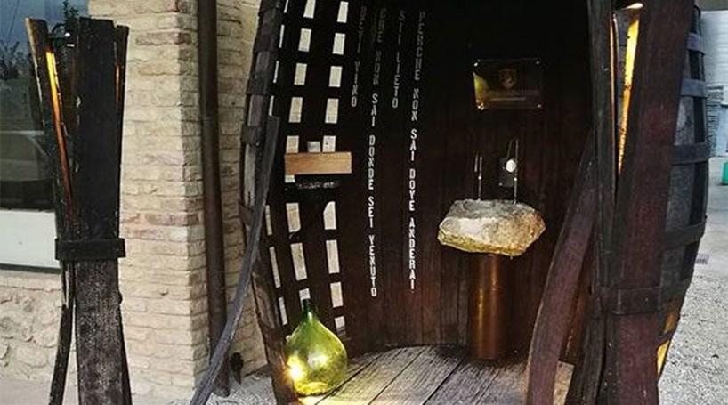 Inaugurada fonte de vinho gratuita