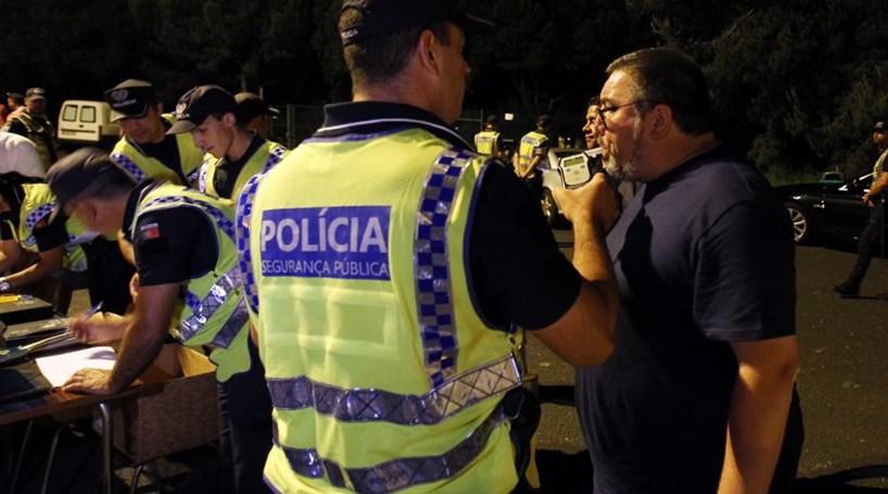 127 condutores detidos por excesso de álcool no sangue