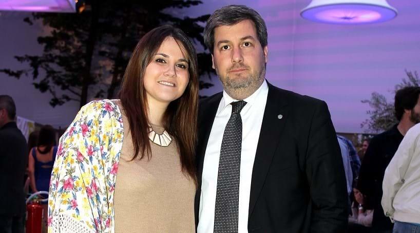 Mulher de Bruno de Carvalho vende 'tralha' na Internet
