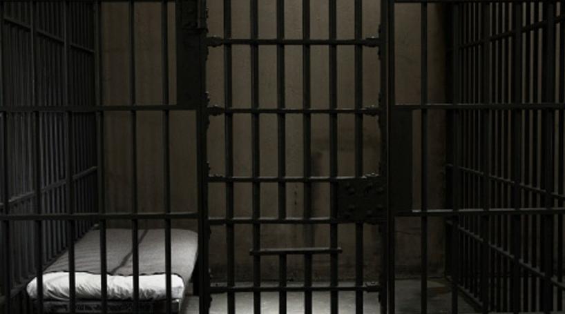 Um morto e dois feridos em esfaqueamento em prisão