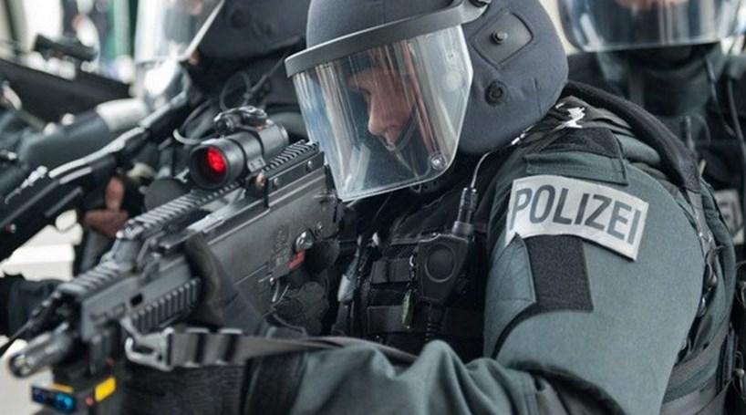 Quatro polícias alvejados na Alemanha