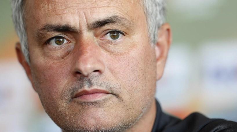 Mourinho avisa que nenhum jogador é intocável