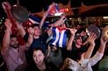 Centenas celebram a morte de Fidel Castro