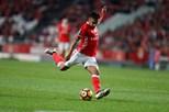 Pizzi e Jiménez dão vitória ao Benfica