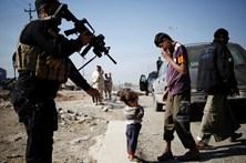 Pelo menos 100 civis mortos em ataque aéreo no Iraque