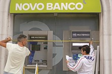 Banca reduz pessoal e fecha balcões